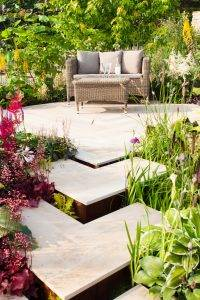 Discover how to create your very own cosy outdoor nook!
