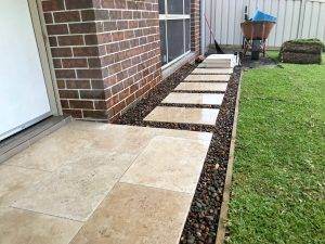 Garden Paving - Paved Stepping Stones with Gravel