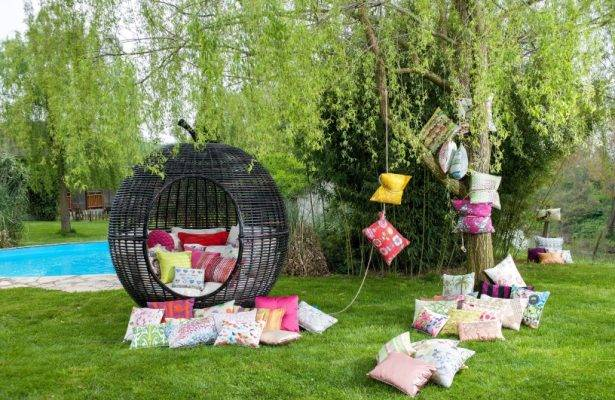 Garden Decor – Easy Ways to Bring Colour to Your Outdoor Area