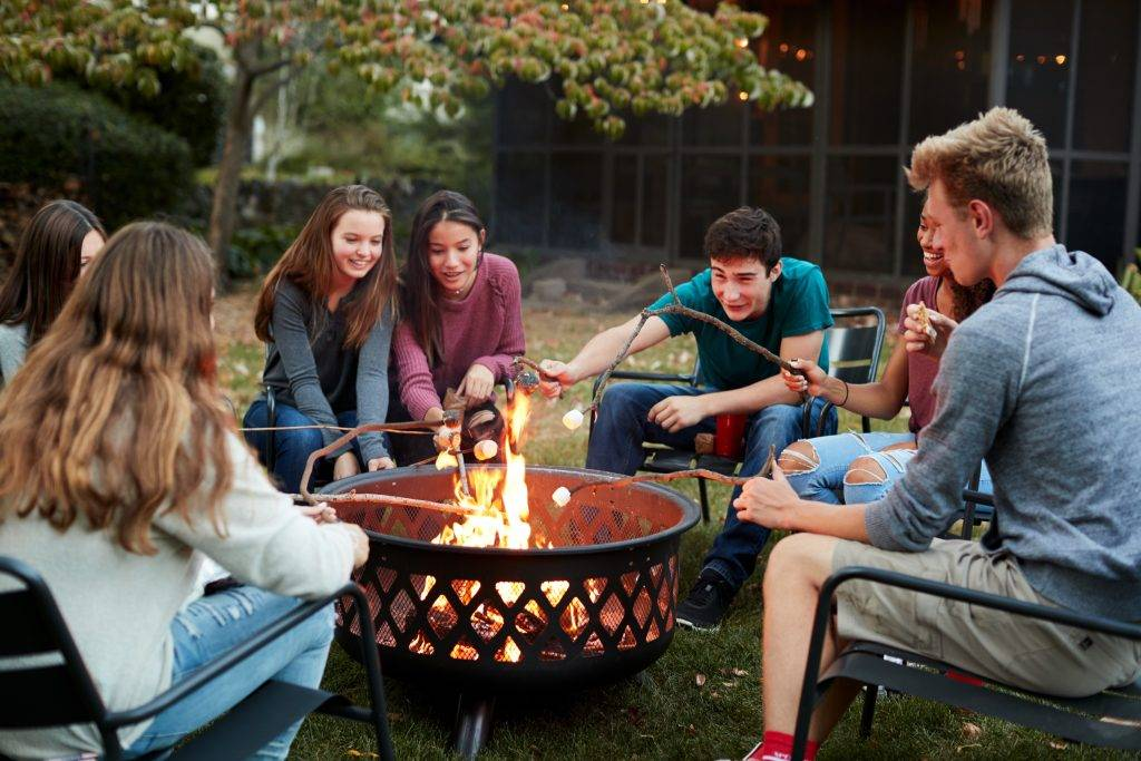 Usable-outdoor-spaces-winter-spaces-fire-pit