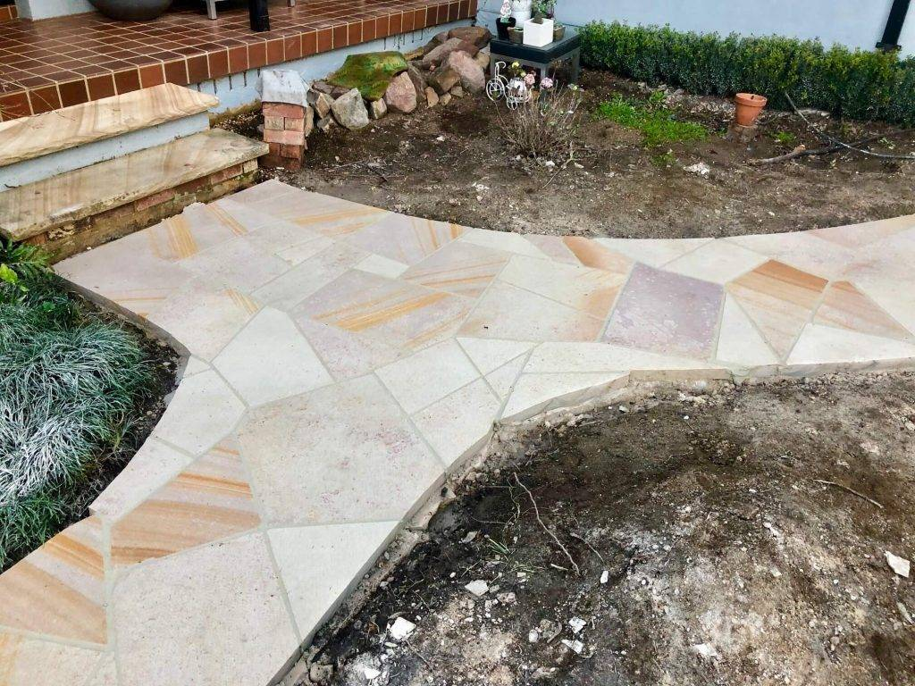 paver-maintenance paved-garden-path