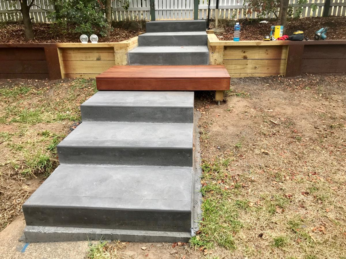 Blaxland steps retaining wall timber stairs landscape construction blue mountains structural fresh perspective landscapes Winmalee 1