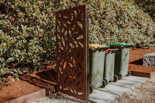 SPRINGWOOD garden makeover corten screens
