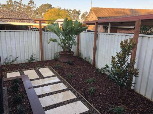 Abbotsbury fresh perspective landscapes structural landscaping blue mountains landscape construction timber screen paving excavation pots retaining wall planting 18