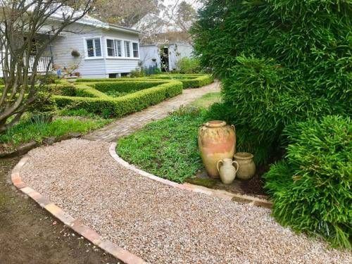Fresh Perspective Landscapes Structural Landscaping Quality Blue Mountains Wentworth Falls Pathway Garden Edging Landscaper 4