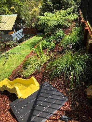 Fresh Perspective Landscapes Winmalee Blue Mountains landscape construction sloping block retaining paving timber stone wall terrace garden design 10