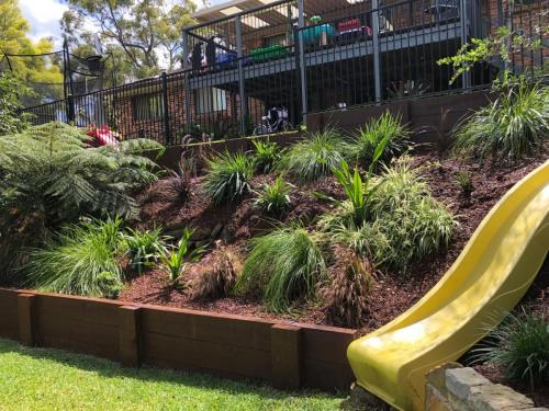 Fresh Perspective Landscapes Winmalee Blue Mountains landscape construction sloping block retaining paving timber stone wall terrace garden design 11