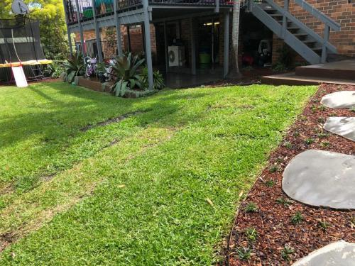 Fresh Perspective Landscapes Winmalee Blue Mountains landscape construction sloping block retaining paving timber stone wall terrace garden design 3