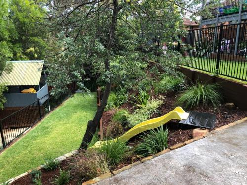Fresh Perspective Landscapes Winmalee Blue Mountains landscape construction sloping block retaining paving timber stone wall terrace garden design 5