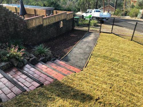 Springwood fresh perspective landscapes structural landscaping blue mountains landscape construction excavation turf pathway fence 3