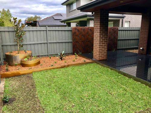 Timber fence Cranebrook