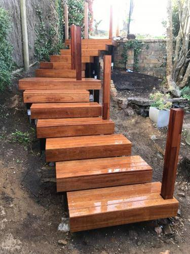 Timber stairs decking pathway landscape construction blue mountains Leura fresh Perspective Landscapes corten pots concrete custom-04 small