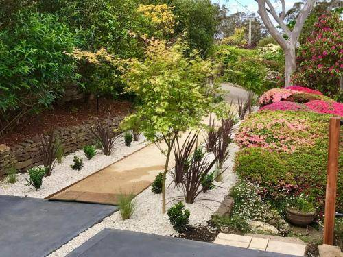 Timber stairs decking pathway landscape construction blue mountains Leura fresh Perspective Landscapes corten pots concrete custom-13 small
